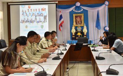 วันที่ 2 กันยายน 2563 หัวหน้าหน่วยจัดการต้นน้ำ และหัวหน้าศูนย์แฝกฯ  เข้าร่วมประชุม พร้อมนำเสนอผลการปฏิบัติงาน ประจำปีงบประมาณ พ.ศ. 2563 แก่เจ้าหน้าที่สำนักอนุรักษ์และจัดการต้นน้ำ ที่เข้ามาตรวจติดตามผลการดำเนินงาน